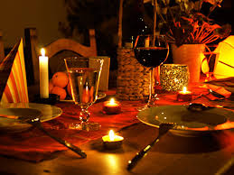 candlelit_table